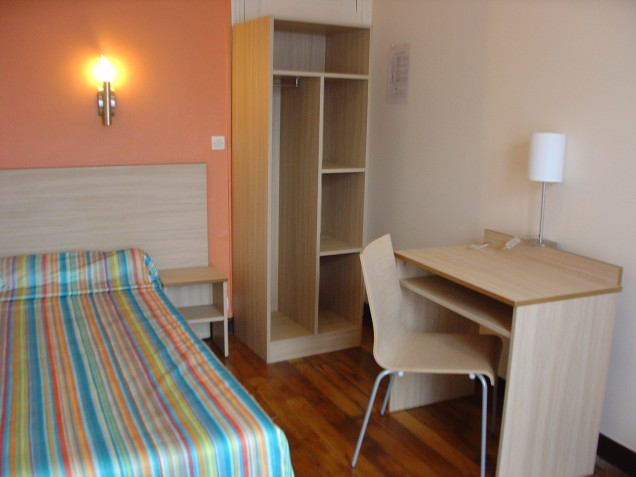 Chambre simple, TV, WC